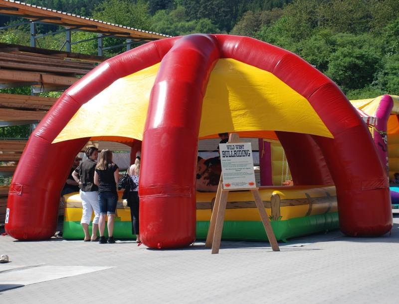 Aufblasbare Zelte mieten und vermieten auf