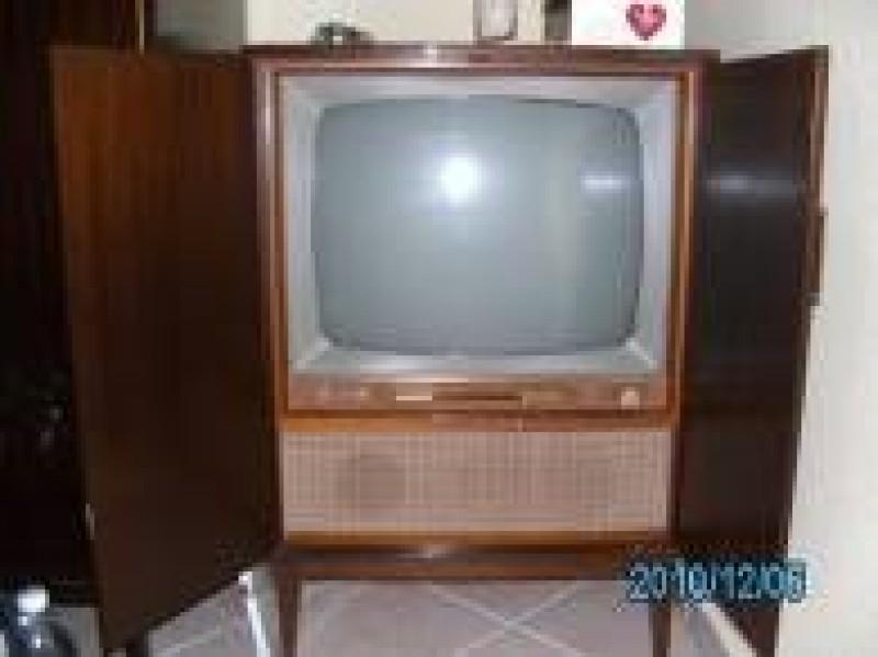 fernseher 70er jahre er jahre fernseher in sammler tv. Black Bedroom Furniture Sets. Home Design Ideas