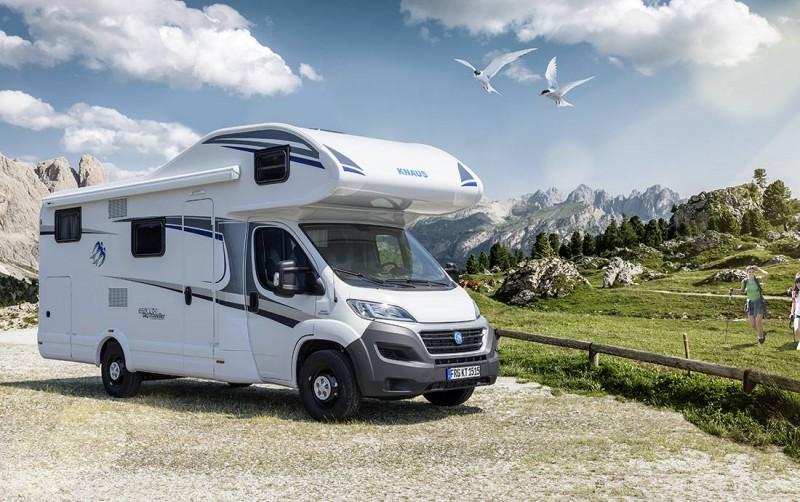 Wohnmobil Mit Etagenbett Und Festbett : Knaus sky traveller dkg familienfreundliches alkoven wohnmobil