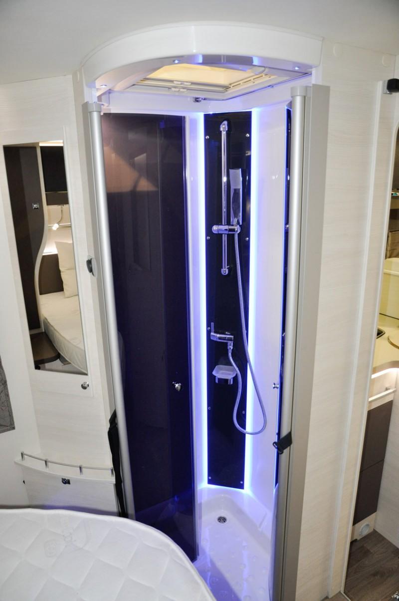 vollintegriertes wohnmobil der extraklasse mit klimaanlage