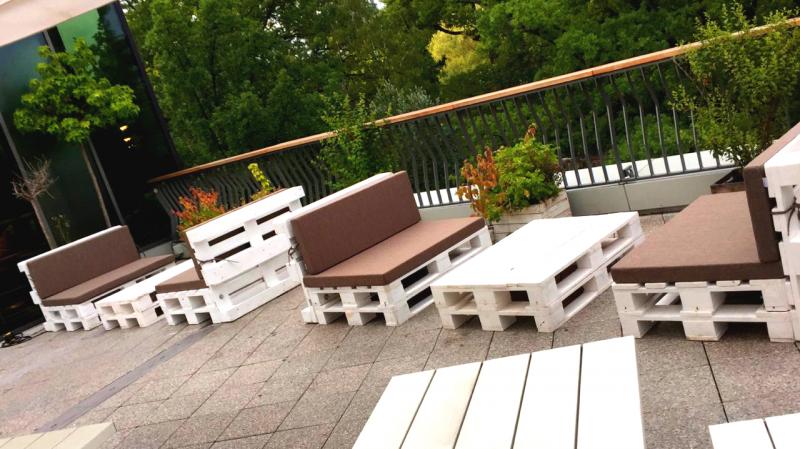 Paletten Lounge palettenlounge mit tisch lounge tisch aus paletten