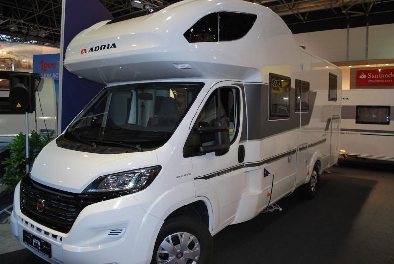 Auto Kühlschrank Mieten : Lux wohnmobil zu vermieten adria coral xl plus wohnmobil zu