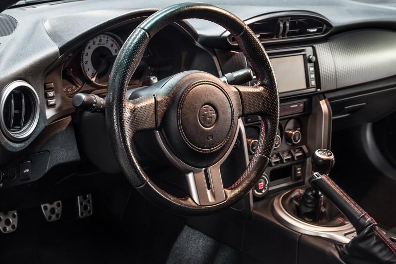 toyota gt86 mit ber 300ps mieten sportwagen sportwagen. Black Bedroom Furniture Sets. Home Design Ideas