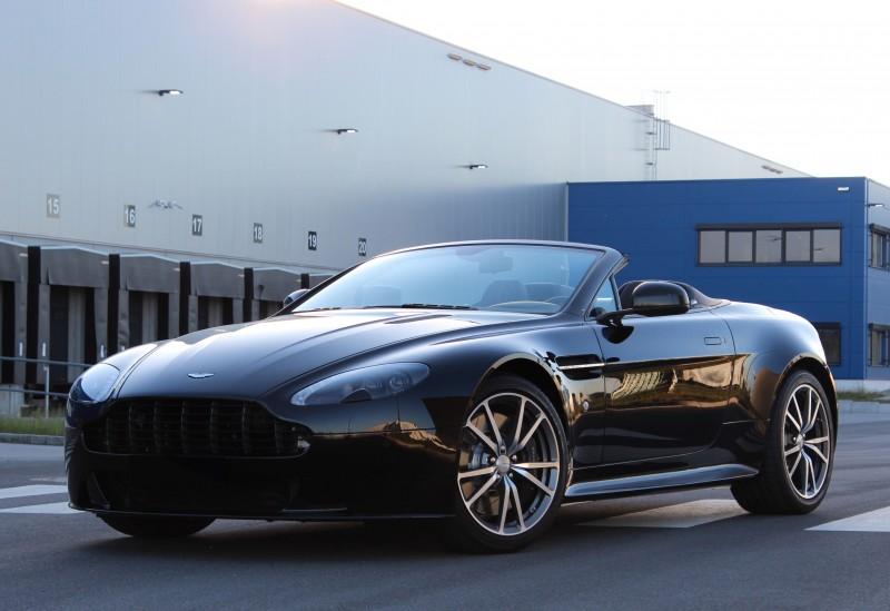 Aston Martin V8 Vantage S Roadster Mieten Auch Als Gutschein Von Ihrem Sportwagenexperten Ecc Rent