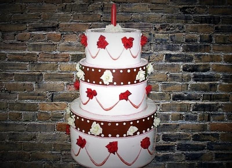 Partytorte Uberraschungstorte Geburtstagstorte Riesige Torte