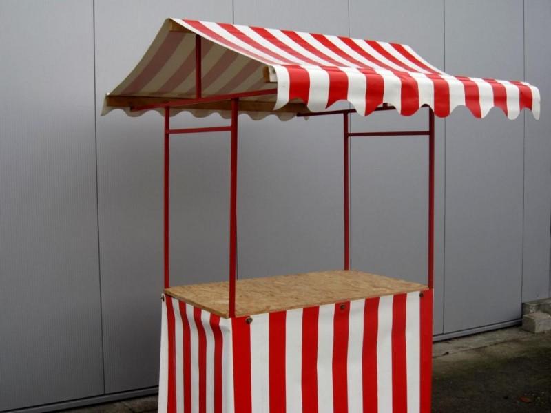 marktstand rot wei blau wei nostalgie bude weihnachtsmarkt stand. Black Bedroom Furniture Sets. Home Design Ideas