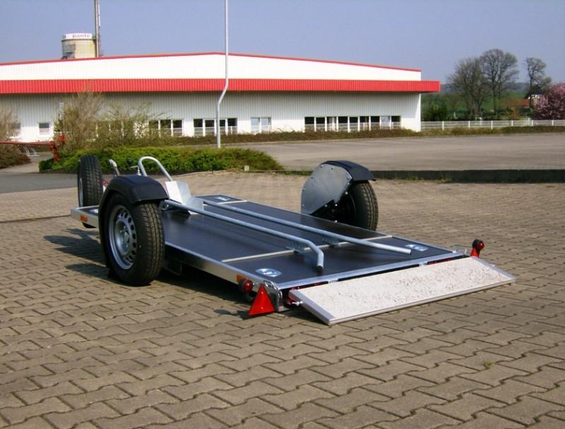 absenkbare motorradanh nger 1er mit 100 km h 2500 x. Black Bedroom Furniture Sets. Home Design Ideas