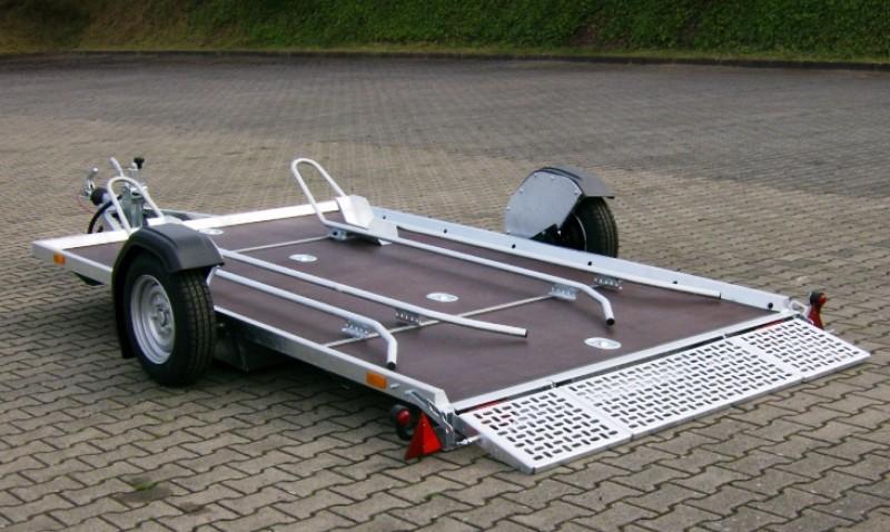 absenkbare 2er motorradanh nger 1400 kg gebremst mit 100. Black Bedroom Furniture Sets. Home Design Ideas