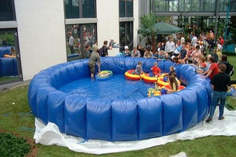 Pool / Schwimmbad / Wasserspiel