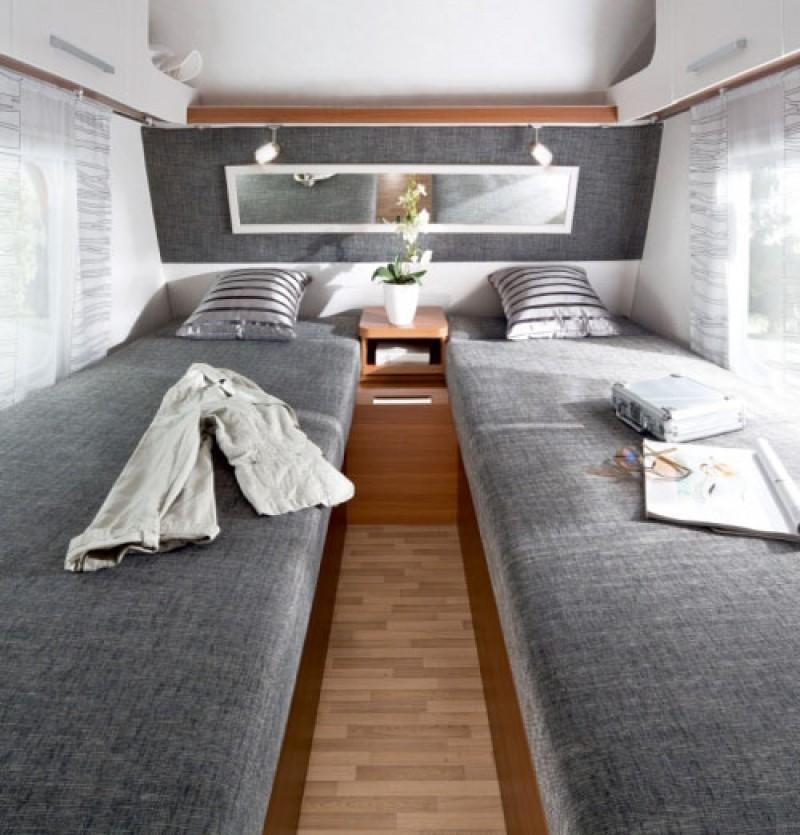 wohnwagen lmc style 450 e 4 schlafpl tze zul ges gew. Black Bedroom Furniture Sets. Home Design Ideas