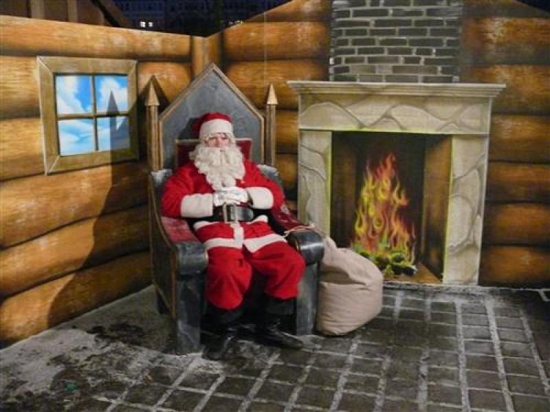 das haus vom weihnachtsmann weihnachtsmannsprechzimmer. Black Bedroom Furniture Sets. Home Design Ideas